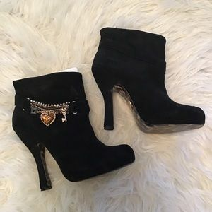 Betsey Johnson Black Charm Booties Size 8.5